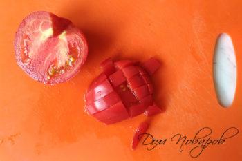 Нарезка помидора кубиками