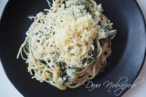 Паста со шпинатом, сливками и сыром