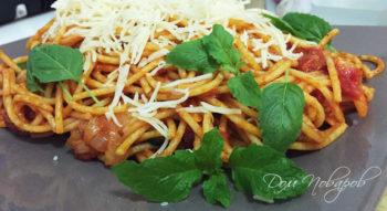 Паста с томатным соусом и сыром