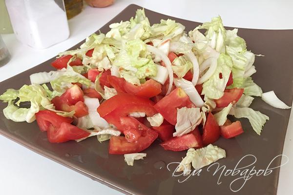 Салат с пекинской капустой и томатами