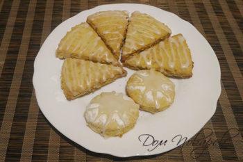 Тыквенное печенье, украшенное глазурью