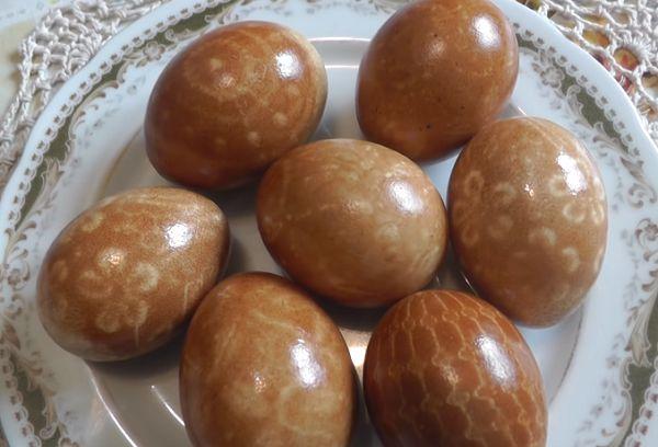 Яйца с кружевными рисунками