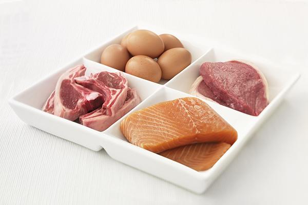 Продукты животного происхождения, богатые белком