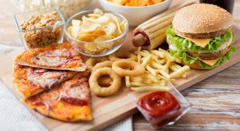 В каких продуктах много холестерина